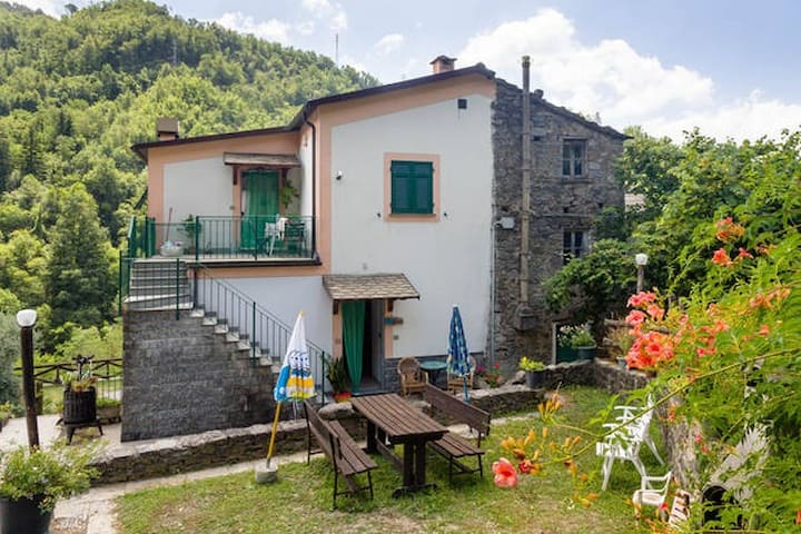 Two bedrooms close to Chiavari - Borzonasca - Bed & Breakfast