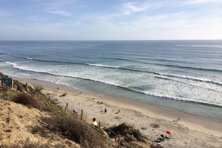 Ocean Front Townhouse w/ view, large Yard - Encinitas