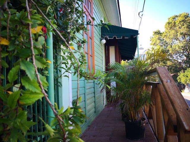Hostel del Lago (La casa antigua de ex-gobernador)