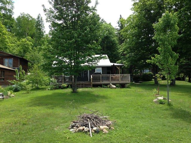 Cozy 2B Rose Lake Charmer - Huntsville - Cabin