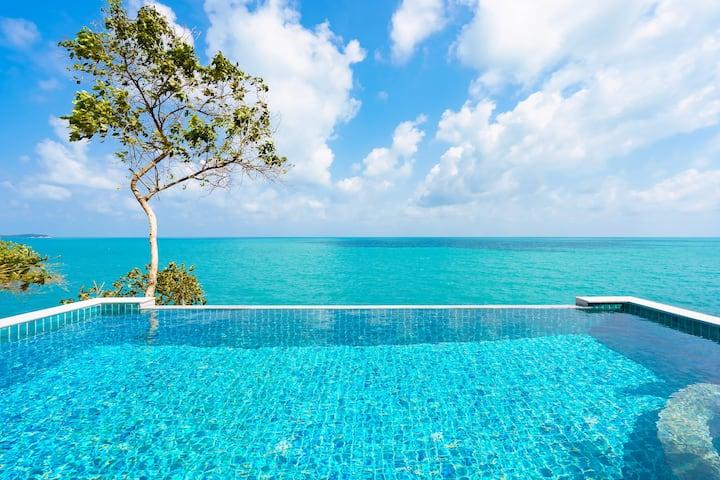 Blue sea , front beach villa , amazing place !