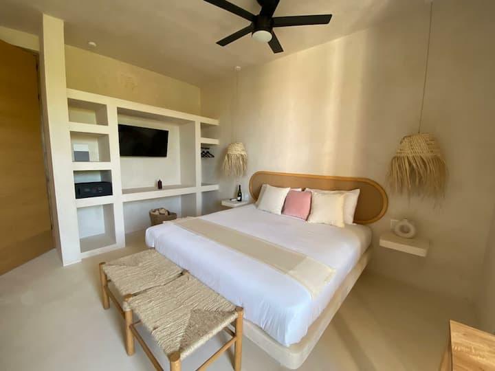 CASA PEREGRINO Suite con balcón y cocineta
