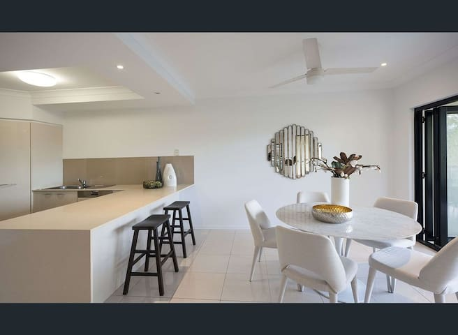 Stunning Apartment in Ideal Location