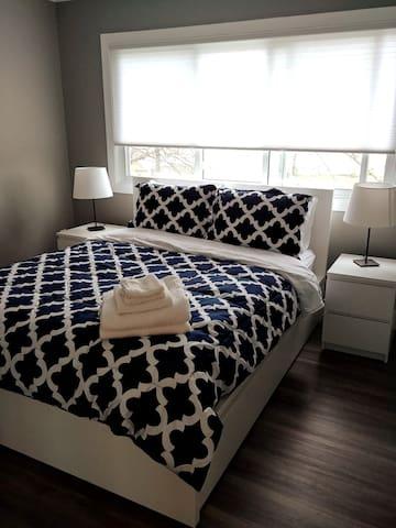 Modern comfy bedroom