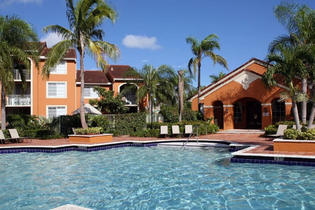 Master Bedroom W Private Full Bath Apartments For Rent In Coconut Creek Florida United States