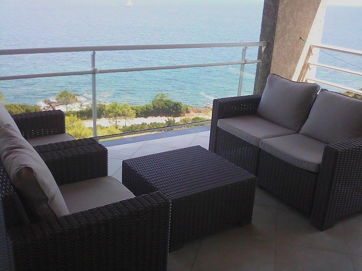 Appartement F3(70m²) vue sur la mer