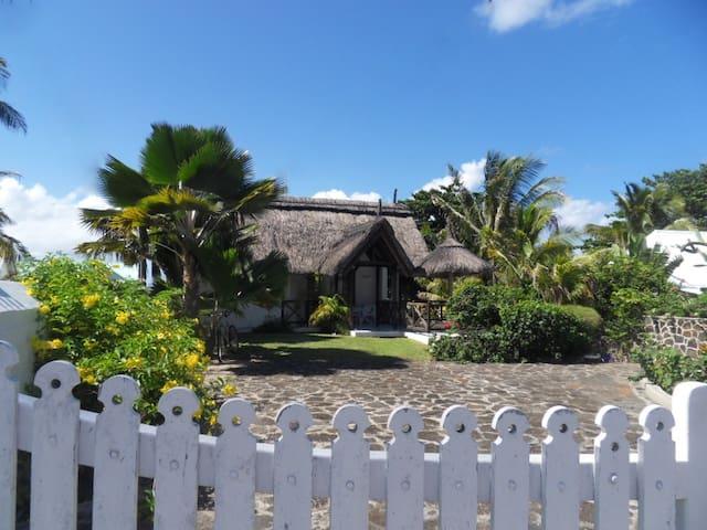 Magnifique villa avec piscine en bord de plage