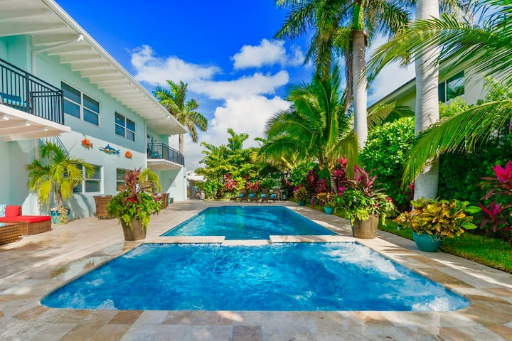 TROPICAL TRANQUILITY⭐Singer Island 2/2⭐ Pool & Spa