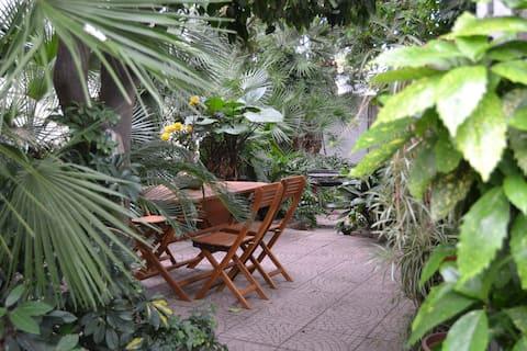 100m Relax House Garden Barbecue