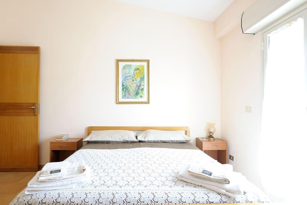 camera da letto matrimoniale (principale)