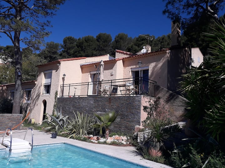 Villa au calme avec piscine proche Cassis