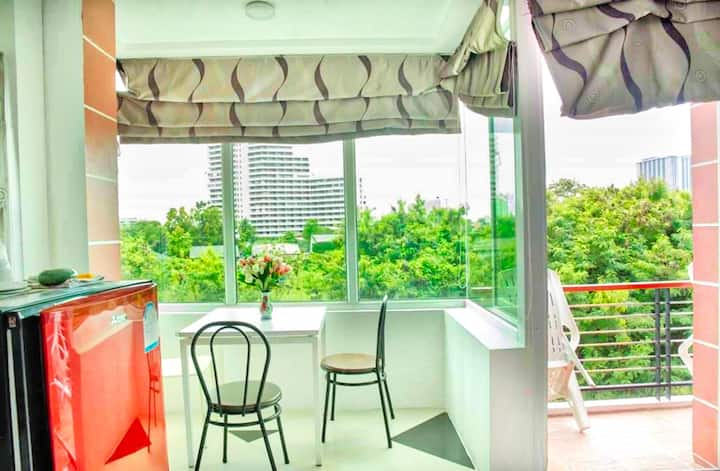 Beautiful 2 beds condo with balcony and quiet view