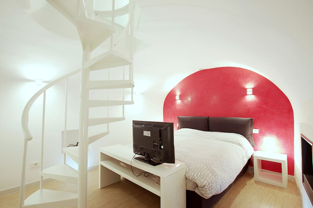 Pretty 2 floors ap in piazza navona apartments for rent for Airbnb roma