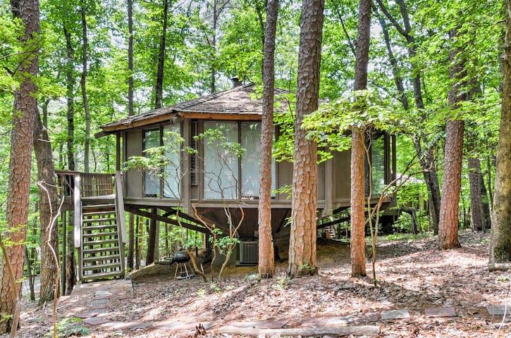 2BR Mountain Retreat House w/Resort-like Amenities