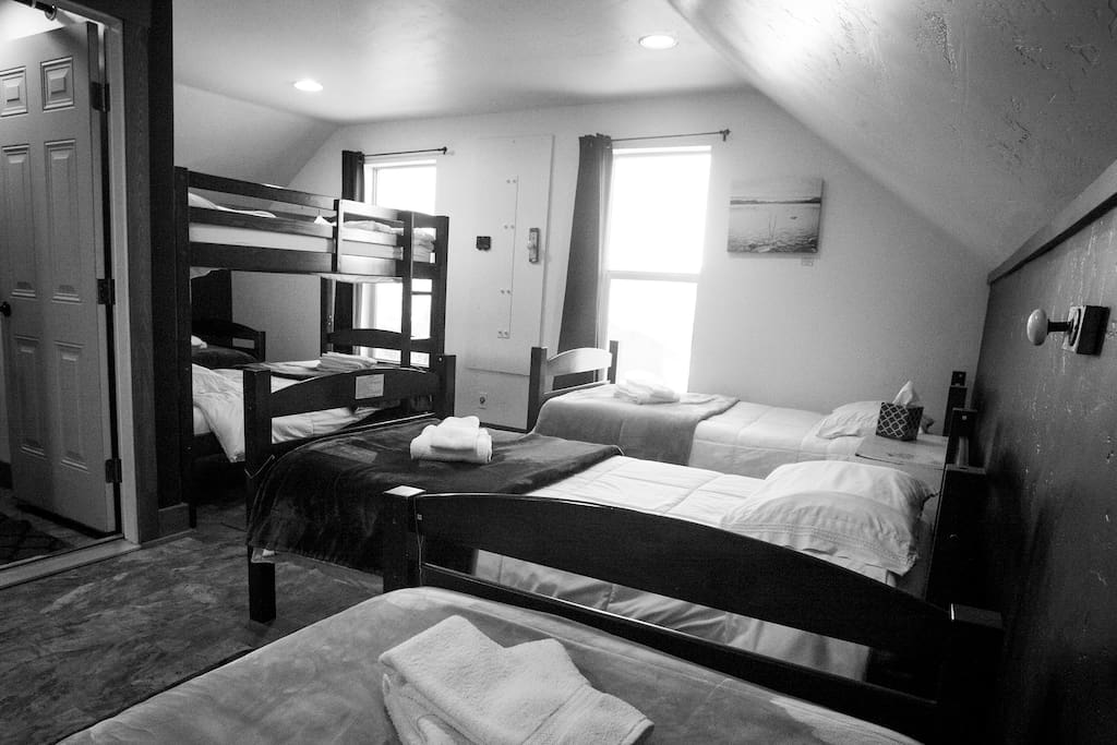 7-Bed Shared Dorm Room (Upstairs)