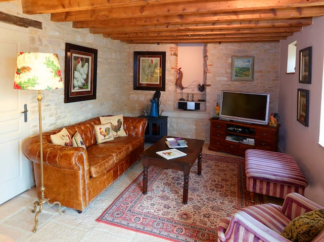 La Grange, charming, spacious converted barn
