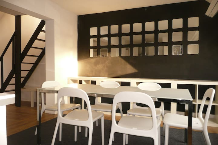 Apartment in trendy Chatelain area