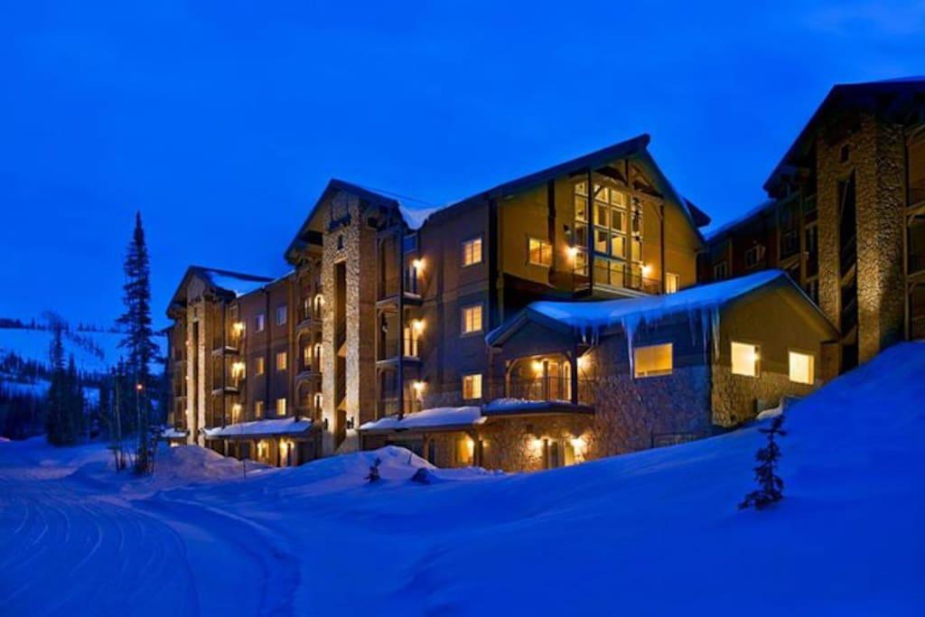 2b 2b cabin cozy white bear condo condominiums for for Cabin rentals vicino a brian head utah