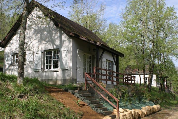 Maison T3 en forêt + Piscine - Saint-Chamarand - Hus