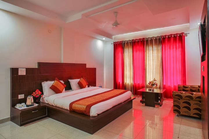 B&B with Comfortable Stays in Katra