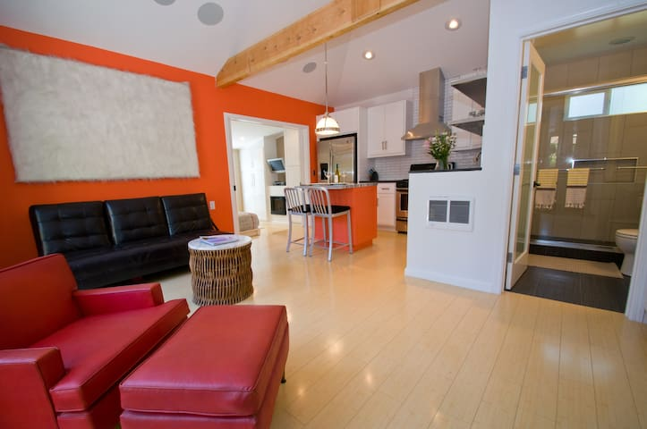 NEW! Modern Crafted Garden Bungalow - Culver City - Wohnung