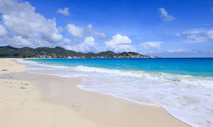 Coco's Beach House - Simpson Bay Beach