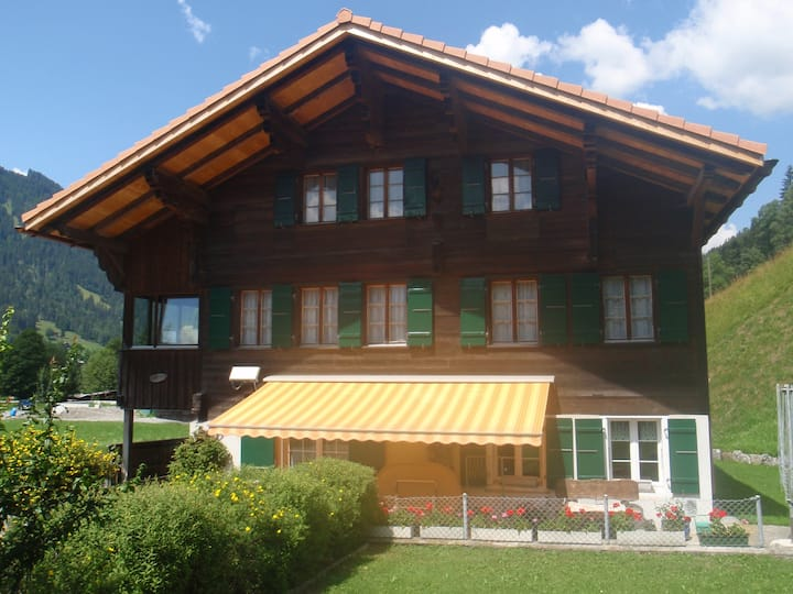 Holiday apartment in Simmentaler Chalet