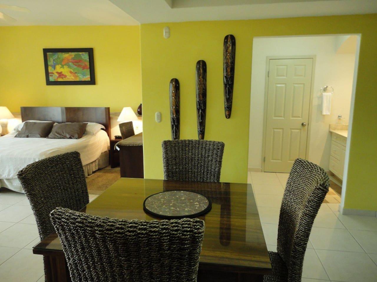Romantic & Luxury 5th Floor Ocean Front Studio