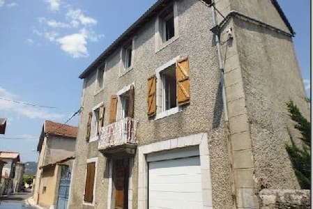 Maison in Hautes Pyrenees - Loures-Barousse