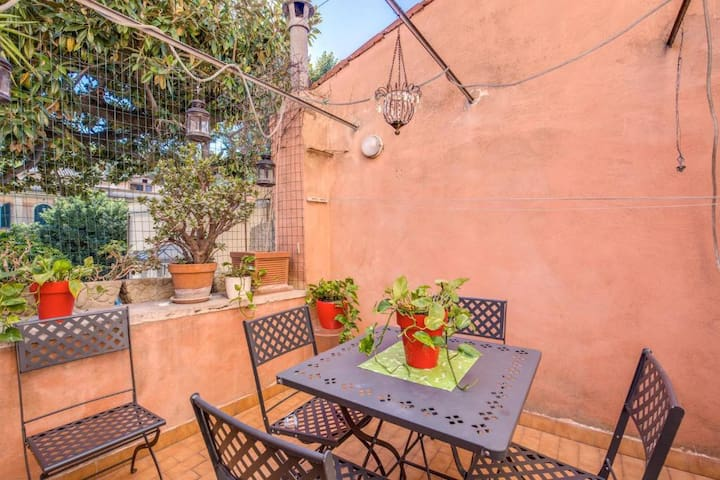 Lovely apartment in Trastevere with Terrace