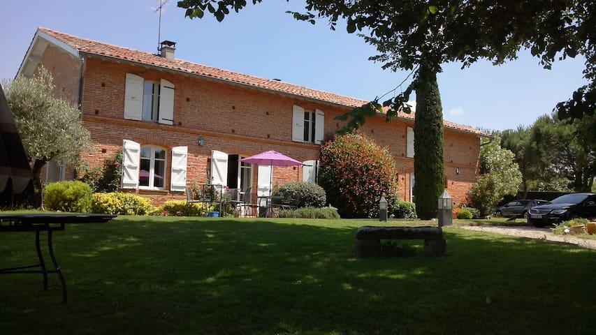 Maison de caractère en brique rose  - Beaupuy