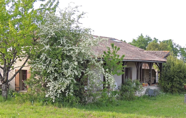 Maison de campagne isolée - Puymiclan - Casa