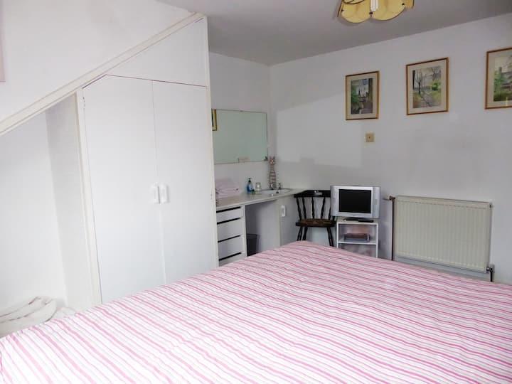 Craggan Cottage, Room 2