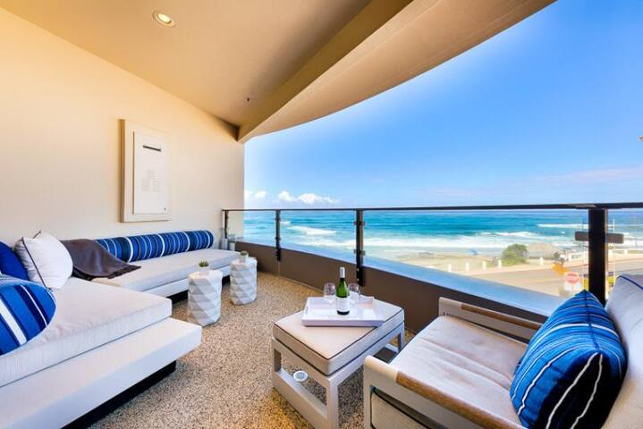 20% OFF SEP - Luxurious Oceanfront Condo w/ Views & Steps to Beach