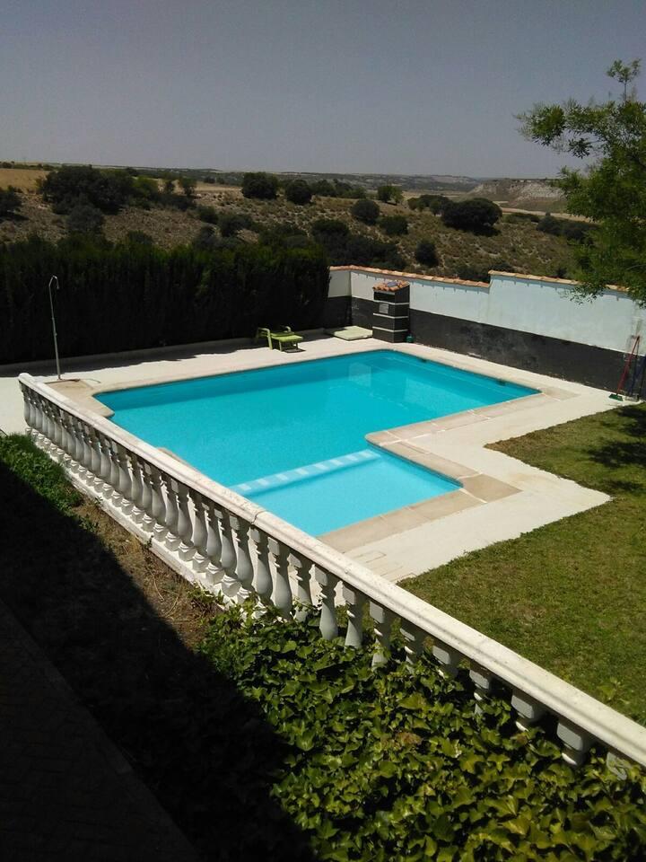 Exclusiva Villa con piscina cerca de Madrid