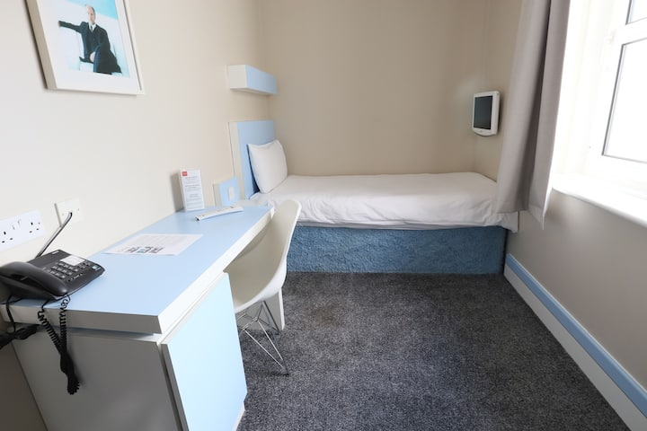 Seafront Escape - Single room  1 bed