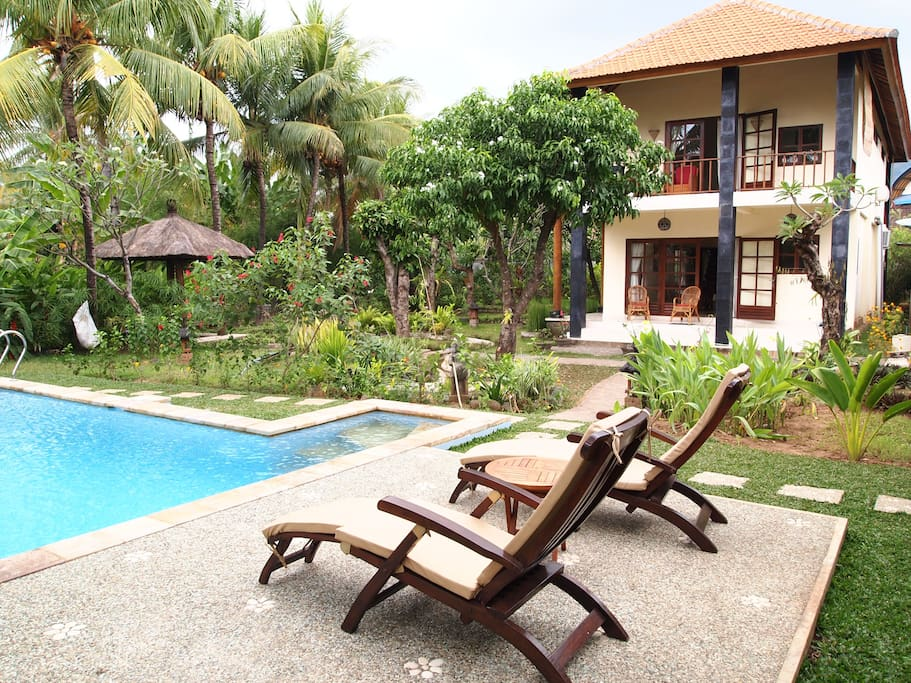 Villa and garden view from pooldeck
