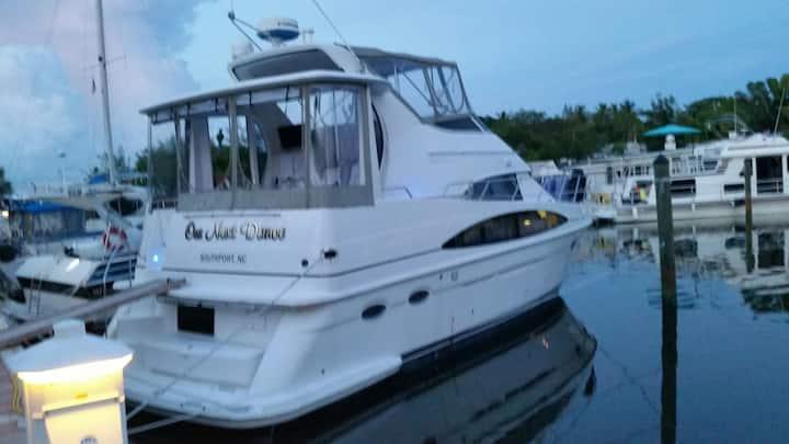 Island Yacht Adventures