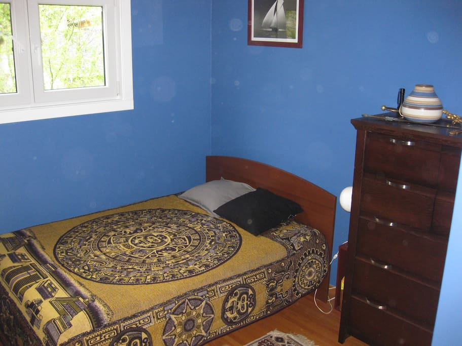 Double bed in Blue Room.