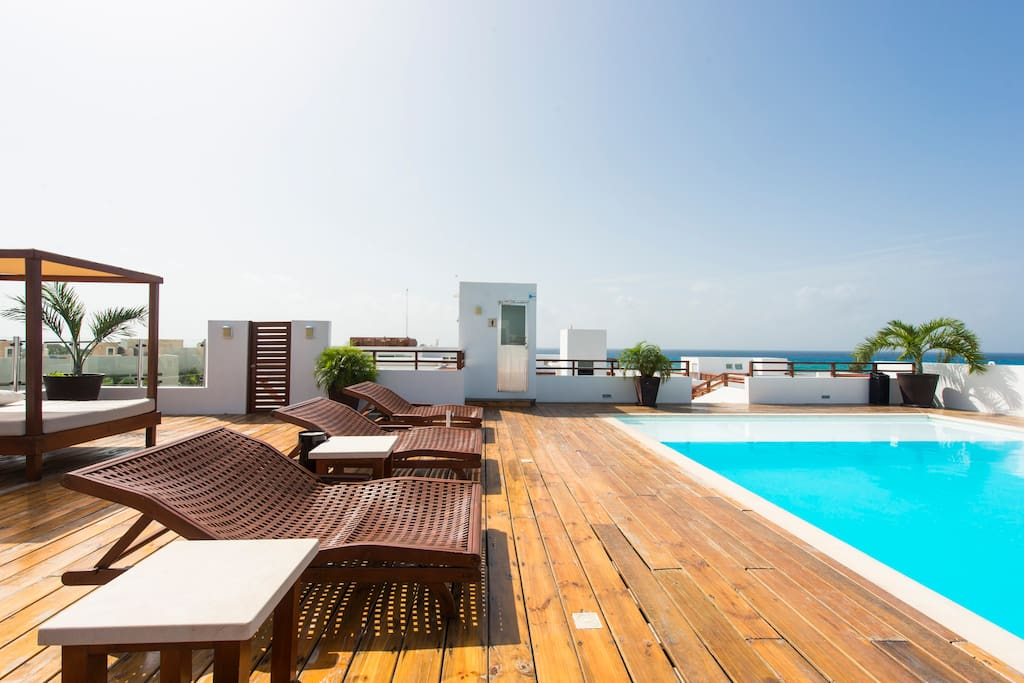 Roof top terrace with swimming pool