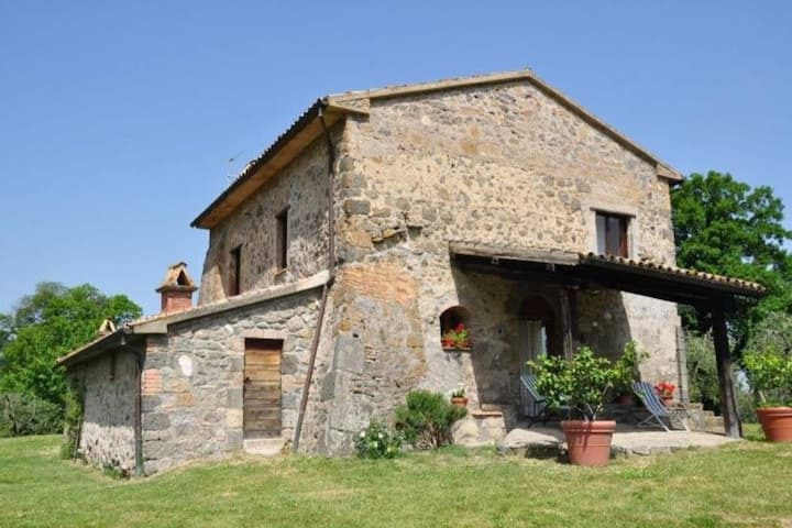 Tasteful Stone-Cottage in Orvieto with garden and pool