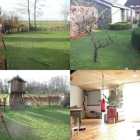 Buitenrust - Vinkel - บ้าน