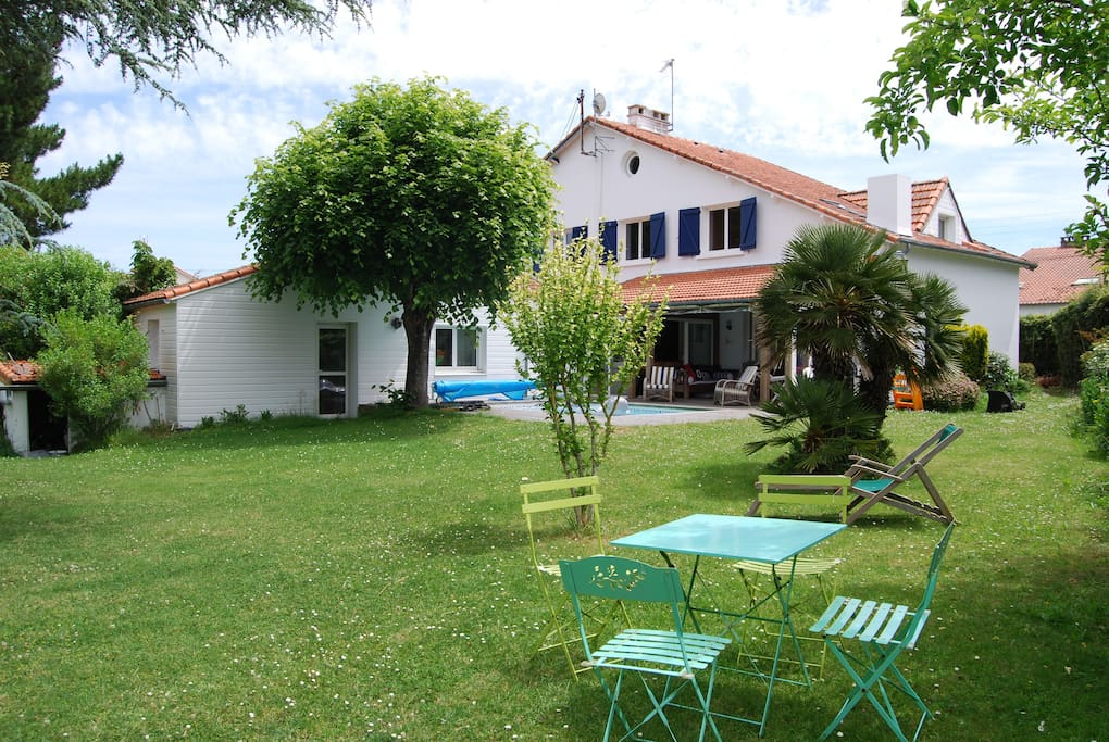 La Baulevilla Standing Avec Piscine Houses For Rent In