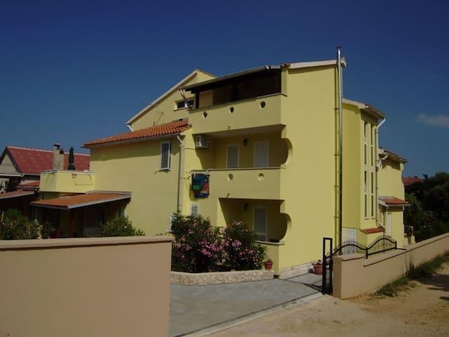 Studio apartment Bee 4 for 2 persons in Novalja - Novalja