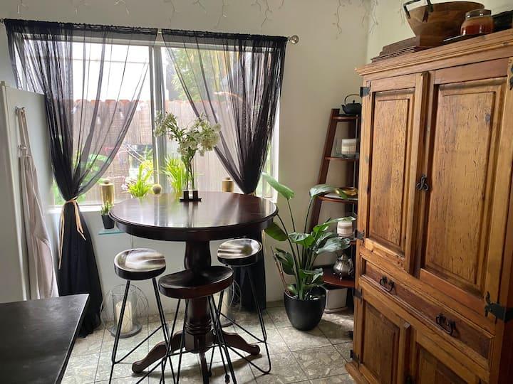 Santa Monica townhouse Room for Rent