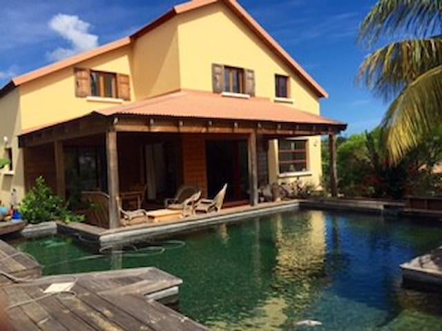 Villa Fleur de Lotus  avec une piscine écologique - Plateau-Caillou - Villa