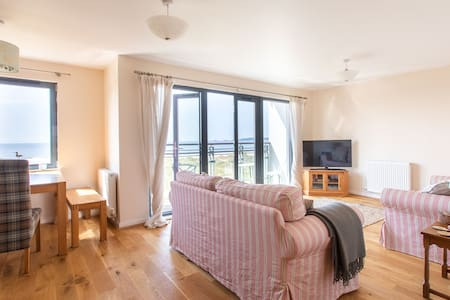 Swansea Marina Apartment with Sea View
