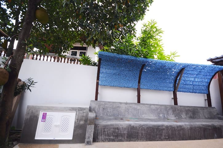family friendly holiday rentals, apartments & houses in nong chom, Hause ideen