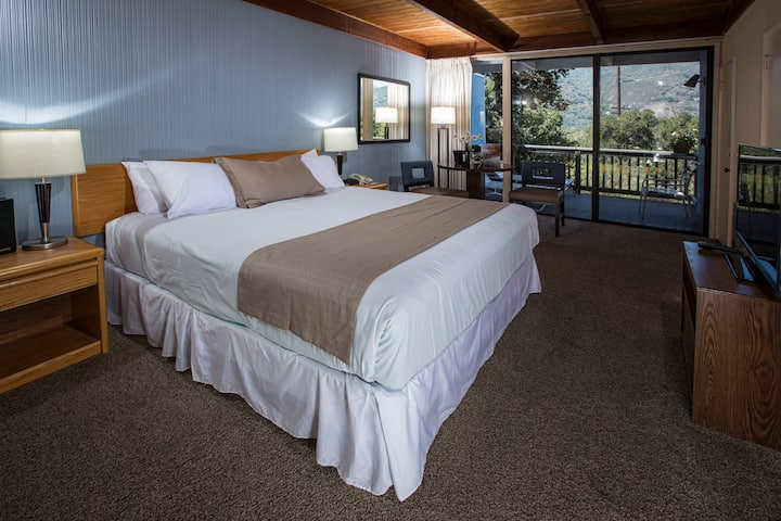 Blue Sky Lodge - Carmel Valley King Pet Friendly