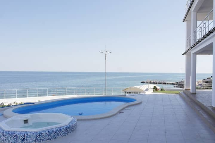Villa sea panorama, swimming pool,50m to the beach